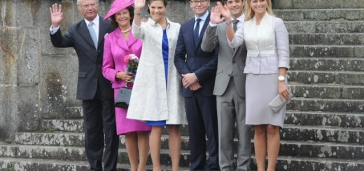 OREBRO, SWEDEN - AUGUST 21: King Carl XVI Gustaf of Sweden, Queen Silvia of Sweden, Princess Victoria of Sweden, Prince Daniel of Sweden, Prince Carl Philip of Sweden and Princess Madeleine of Sweden attends the bicentennial anniversary of the Parliament session of 1810 in Orebro at Orebro Castle on August 21, 2010 in Orebro, Sweden. (Photo by Torsten Laursen/Getty Images)